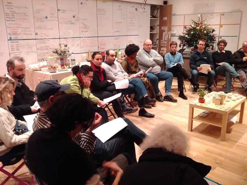 Groupe réuni au Clubhouse de Paris pour une Étincelle organisée par UP for Humanness