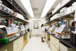 génétique : machines de séquençage du génome